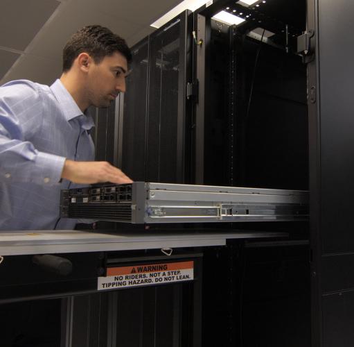 Server scorrevoli SL-500FX dallo scaffale e nel rack
